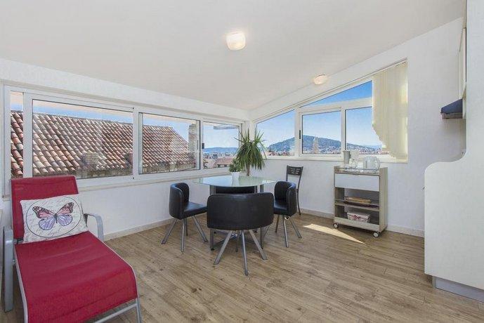 Derek Apartments, Split - Compare Deals
