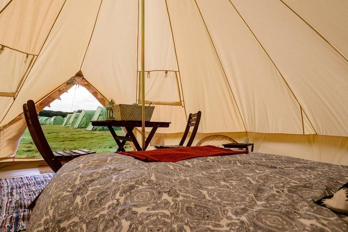 Silverstone Glamping and Pre-Pitched Camping with intentsGP