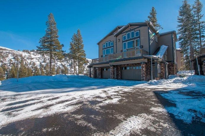 Caples View Luxury Home in the Kirkwood Mountain