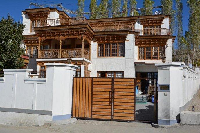 New Royal Guest House Leh צילום של הוטלס קומביינד - למטייל (1)