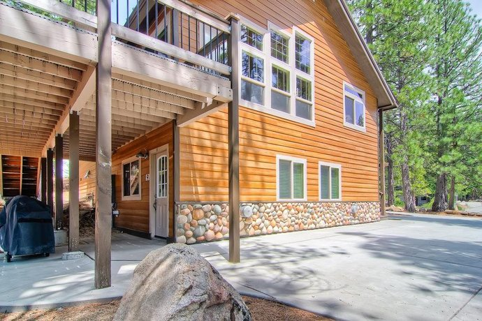 Yosemite Summit & Little Summit - 5BR/3BA Vacation Home