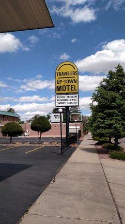Traveler's Uptown Motel