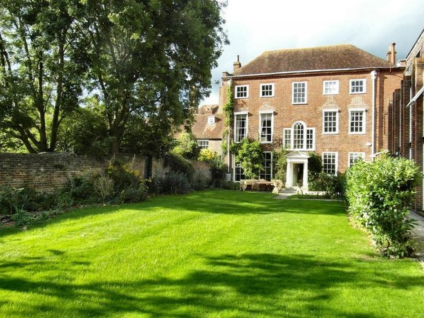 East Pallant Bed & Breakfast