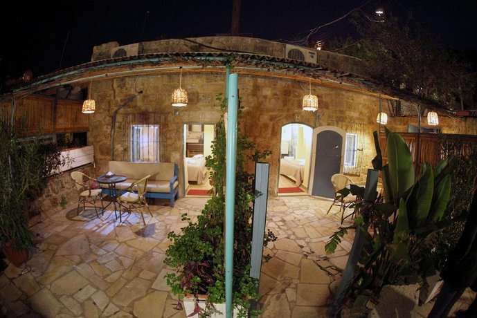 half off e47fc fd85c Byblos Fishing Club Guesthouse, Jbeil Byblos - Compare Deals