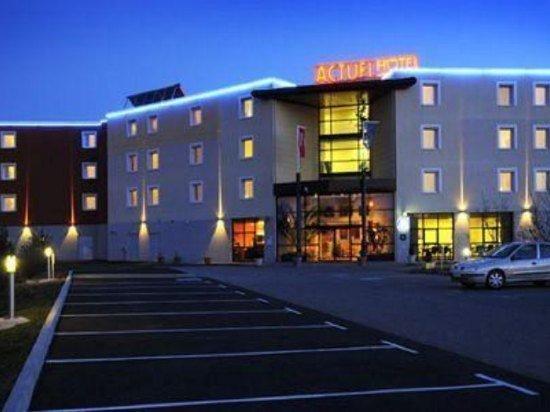 Hotel The Originals Saint-Etienne Aeroport Actuel ex Qualys-Hotel