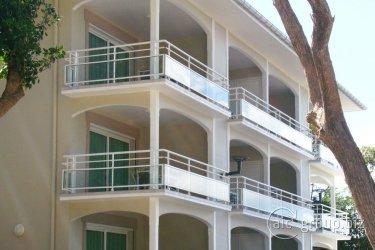 Hotel Bois Joli
