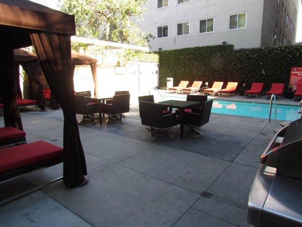 Luxury Studio Next to LA Live