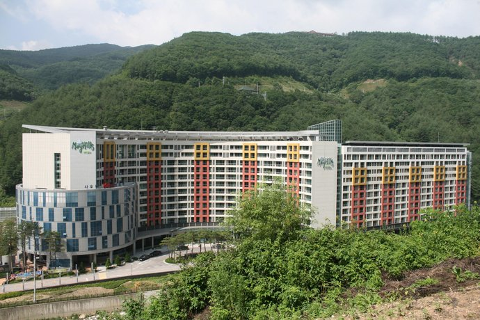 Jeongseon Mayhills Resort