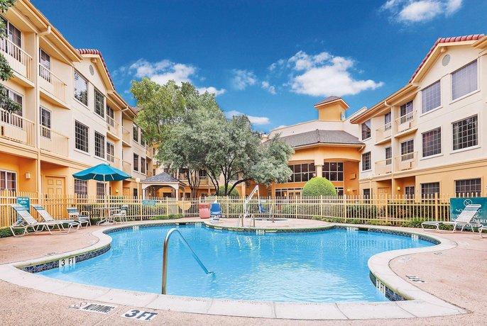 La Quinta Inn & Suites Dallas Addison-Galleria