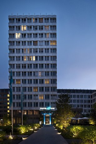 Motel One Munchen-Campus