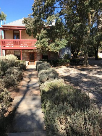 Kit Kat Cottage - heritage accommodation Burra