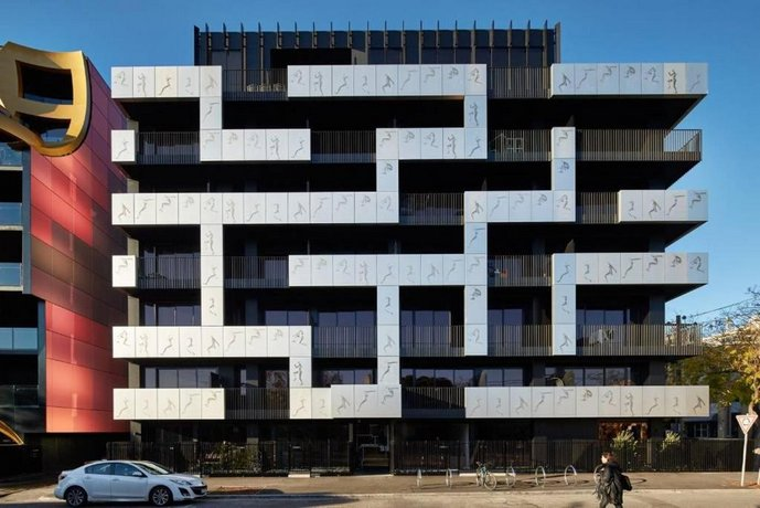 South Melb Apartment w/ Netflix Wifi + City Views