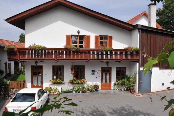 Lindenhof Deutsch