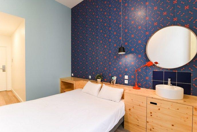 away hostel coffee shop lyon compare deals. Black Bedroom Furniture Sets. Home Design Ideas