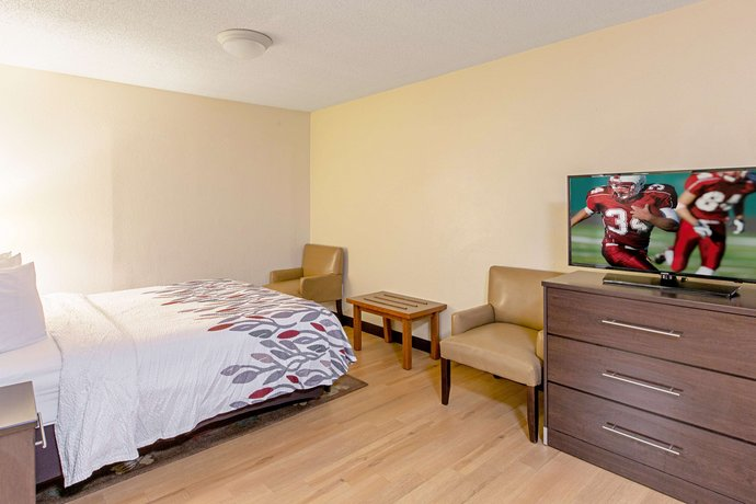 Red Roof Inn Amp Suites Omaha Council Bluffs Encuentra El