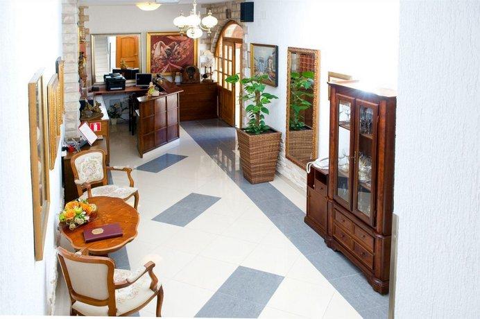 b606ceb8764e Hotel Vila Tina, Slatine - Compare Deals