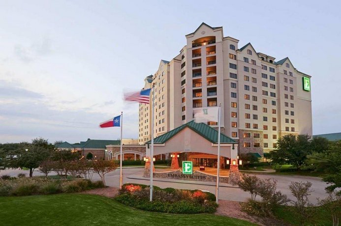 Embassy Suites Dallas - DFW Airport North Outdoor World
