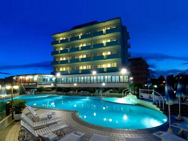 Strand Hotel Colorado Ravenna Die Gunstigsten Angebote