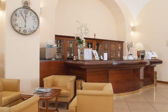 Le Cheminee Business Hotel Napoli, Neapel - Die günstigsten ...