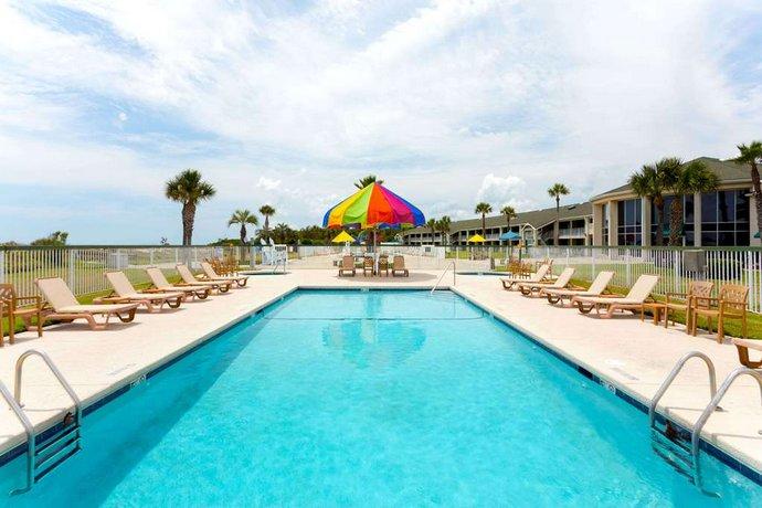 Jekyll Island Hotels >> Days Inn Suites By Wyndham Jekyll Island Compare Deals