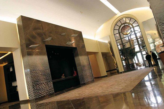 Monte-Carlo Bay Hotel & Resort, Monte Carlo - Compare Deals