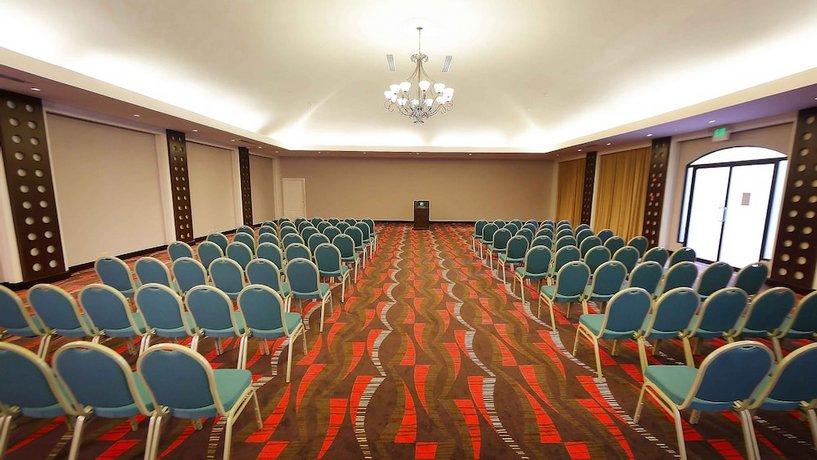 מלון הולידיי אין פנמה קנאל צילום של הוטלס קומביינד - למטייל (3)