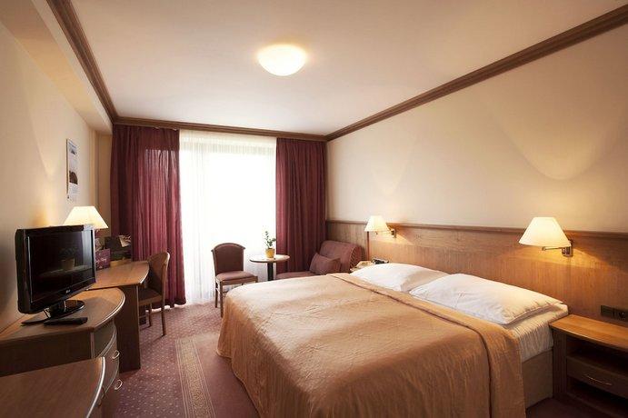 ספא במלון הרמוני צילום של הוטלס קומביינד - למטייל (2)