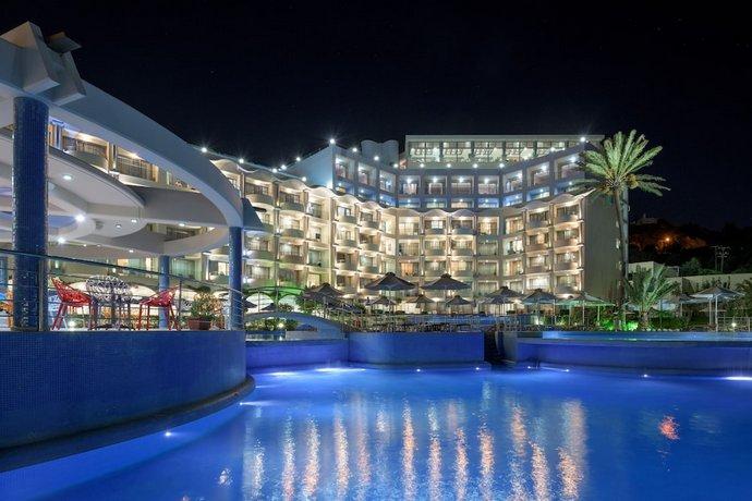 מלון אטריום פלטינום צילום של הוטלס קומביינד - למטייל (2)
