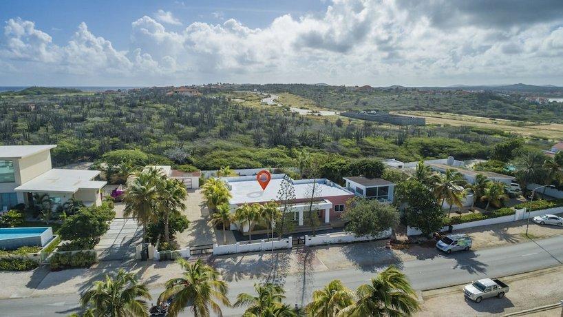 Boca Catalina Modern Villa