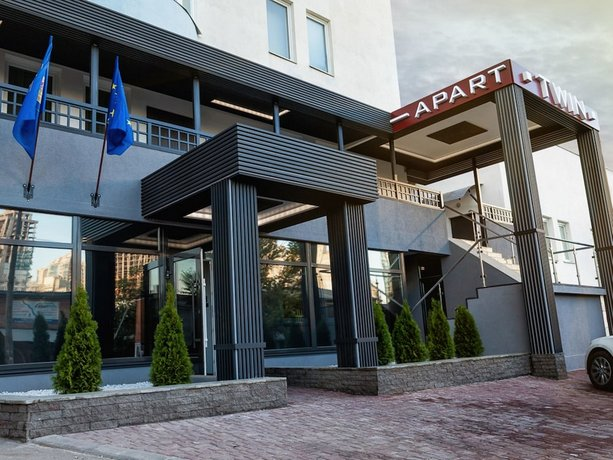 Twin Apart Hotel Kiev צילום של הוטלס קומביינד - למטייל (1)