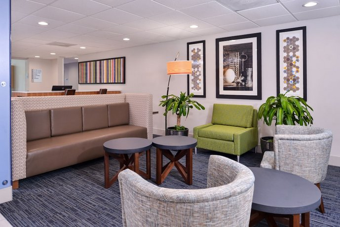 Admirable Holiday Inn Express Hotel Suites Elgin Compare Deals Machost Co Dining Chair Design Ideas Machostcouk