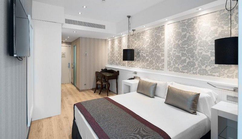 מלון קטלוניה פלאזה קטלוניה צילום של הוטלס קומביינד - למטייל (1)