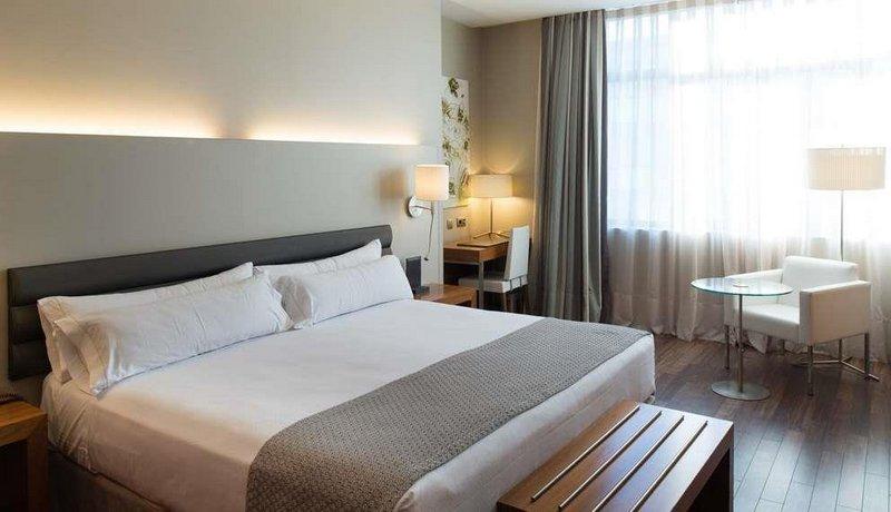 מלון קטלוניה רמבלס צילום של הוטלס קומביינד - למטייל (1)