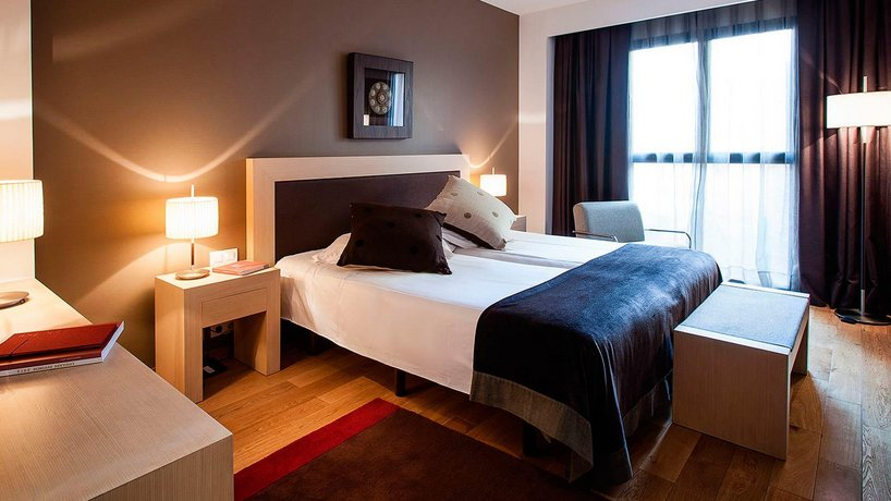 Hotel Villa Emilia Barcelona Compare Deals