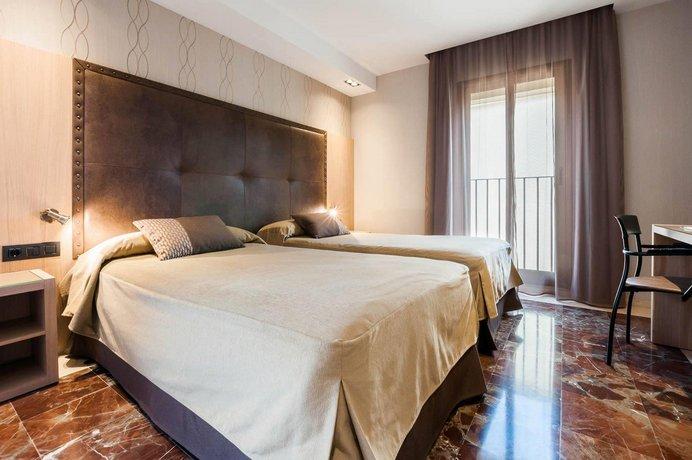מלון גותיקו צילום של הוטלס קומביינד - למטייל (1)