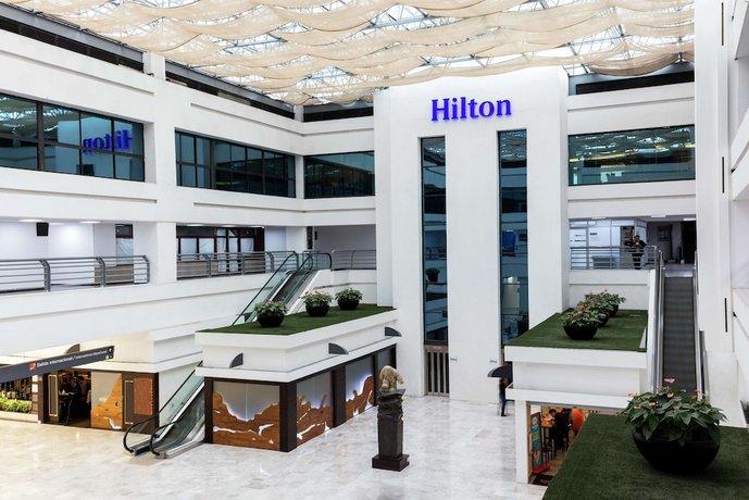 מלון הילטון מקסיקו סיטי איירפורט צילום של הוטלס קומביינד - למטייל (3)