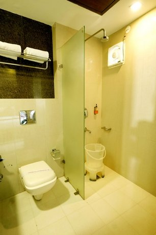 מלון סינג אמפייר דלוקס צילום של הוטלס קומביינד - למטייל (3)