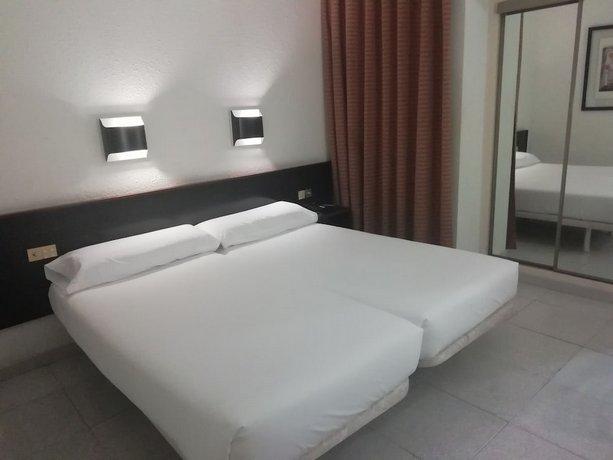 מלון מדיום מונגל צילום של הוטלס קומביינד - למטייל (2)