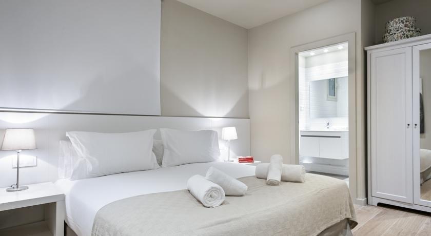 מלון דירות ברצלונה 226 סנטר אקסקלוסיב צילום של הוטלס קומביינד - למטייל (2)