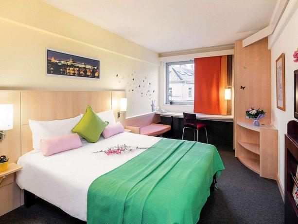מלון  איביס פראג - כיכר וונססלאס צילום של הוטלס קומביינד - למטייל (2)