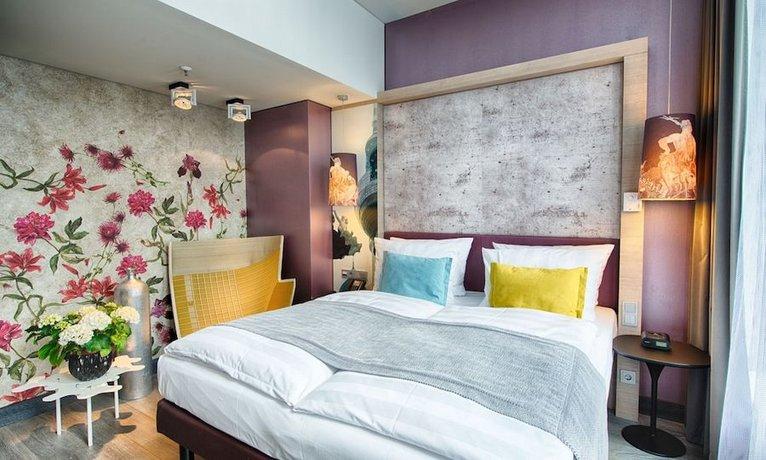 מלון אינדיגו - כיכר אלכסנדר צילום של הוטלס קומביינד - למטייל (2)