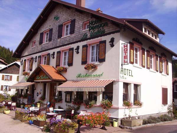 Logis la vallee hotel xonrupt longemer compare deals for Hotels xonrupt longemer