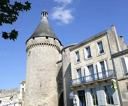 La tour du vieux port libourne compare deals - Tour du vieux port libourne ...