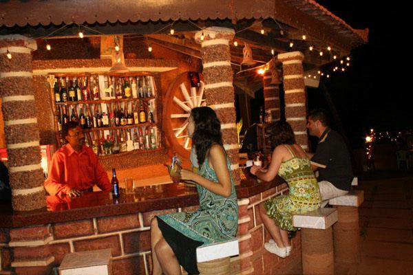 Alcove resorts vagator compare deals for Alcove indian cuisine