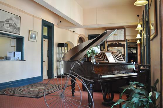 imperial hotel mount victoria mt victoria compare deals. Black Bedroom Furniture Sets. Home Design Ideas