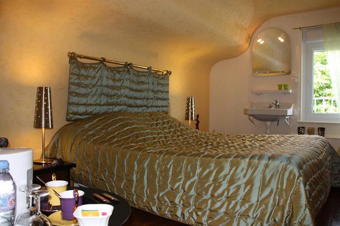 les jardins d 39 aika raon l 39 etape compare deals. Black Bedroom Furniture Sets. Home Design Ideas