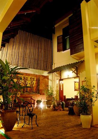Lv City Riverine Hotel