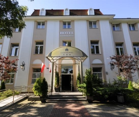 """Hotel """"Łazienkowski"""""""