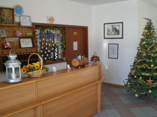 Hotel Foyer Du Fond Brusson : Hotel du foyer brusson compare deals