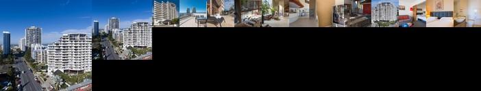 Broadbeach Savannah Resort
